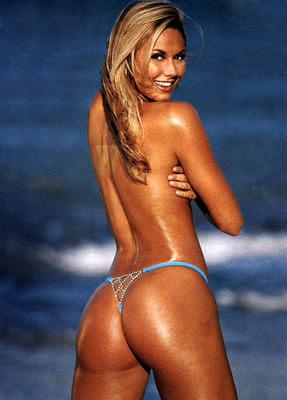 Stacy_keibler_butt_display_image
