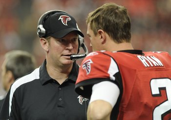 Musgrave speaking with Falcons QB Matt Ryan