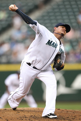SEATTLE - AUGUST 05:  Starting pitcher Felix Hernandez #34 of the Seattle Mariners pitches against the Texas Rangers at Safeco Field on August 5, 2010 in Seattle, Washington. (Photo by Otto Greule Jr/Getty Images)