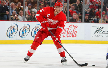DETROIT, MI - DECEMBER 15:  Nicklas Lidstrom #5 of the Detroit Red Wings skates against the St.Louis Blues during their NHL game at Joe Louis Arena on December 15, 2010 in Detroit, Michigan.(Photo By Dave Sandford/Getty Images)