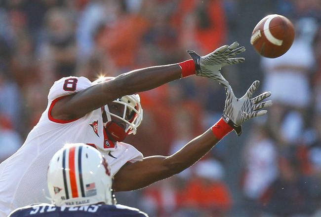 AUBURN, AL - NOVEMBER 13:  A.J. Green #8 of the Georgia Bulldogs pulls in this reception against Craig Stevens #46 of the Auburn Tigers at Jordan-Hare Stadium on November 13, 2010 in Auburn, Alabama.  (Photo by Kevin C. Cox/Getty Images)
