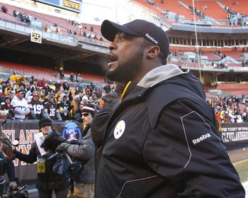 CLEVELAND, OH - JANUARY 02:  Head coach Mike Tomlin of the Pittsburgh Steelers celebrates after their 41-9 victory over the Cleveland Browns at Cleveland Browns Stadium on January 2, 2011 in Cleveland, Ohio.  (Photo by Matt Sullivan/Getty Images)