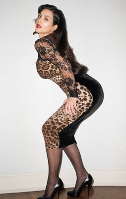 Kim_kardashian_leopard_dress_display_image