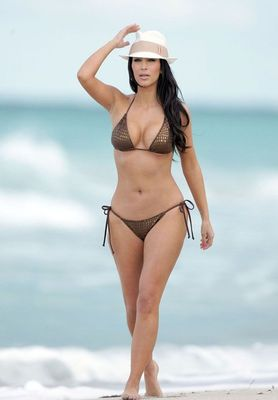 Kim-kardashian-hot-00_display_image