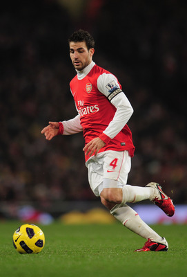 LONDON, ENGLAND - JANUARY 05:  Cesc Fabregas of Arsenal in action during the Barclays Premier League match between Arsenal and Manchester City at the Emirates Stadium on January 5, 2011 in London, England.  (Photo by Shaun Botterill/Getty Images)