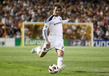 NEWCASTLE, AUSTRALIA - NOVEMBER 27:  David Beckham of the Galaxy Shoots for goal during the friendly match between the Newcastle Jets and the LA Galaxy at EnergyAustralia Stadium on November 27, 2010 in Newcastle, Australia.  (Photo by Brendon Thorne/Gett