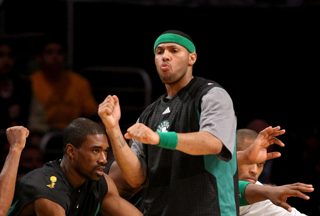 LOS ANGELES, CA - JUNE 10:  Eddie House #50 of the Boston Celtics celebrates a play in the first half against the Los Angeles Lakers in Game Three of the 2008 NBA Finals on June 10, 2008 at Staples Center in Los Angeles, California.  NOTE TO USER: User ex