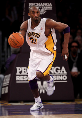 LOS ANGELES, CA - JANUARY 9: Kobe Bryant #24 of the Los Angeles Lakers starts a break against the New York Knicks at Staples Center on January 9, 2011 in Los Angeles, California.  The Lakers won 109-87.   NOTE TO USER: User expressly acknowledges and agre