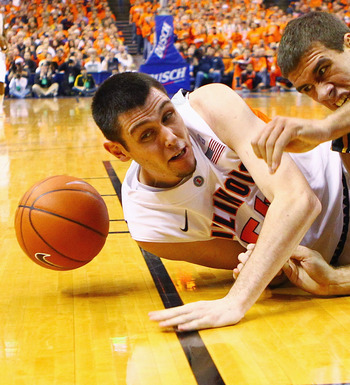 Mike Tisdale and the Fighting Illini had trouble holding onto the ball in their three-point loss to UIC.