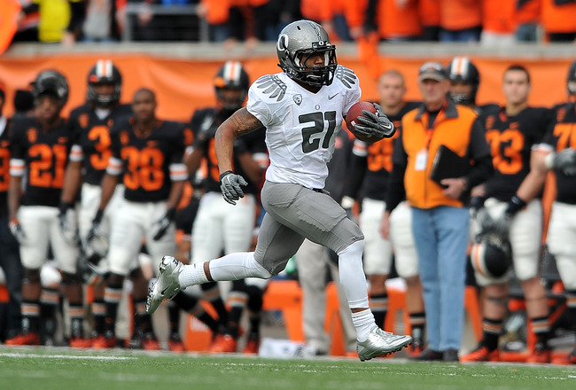 CORVALLIS, OR - DECEMBER 4: Running back LaMichael James #21 of the Oregon Ducks runs with the ball in the second quarter of the game against the the Oregon State Beavers at Reser Stadium on December 4, 2010 in Corvallis, Oregon. The Ducks beat the Beaver