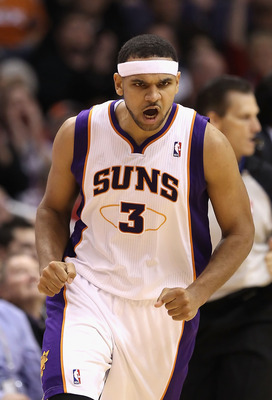 PHOENIX - DECEMBER 23:  Jared Dudley #3 of the Phoenix Suns reacts after hitting a three point shot against the Miami Heat during the NBA game at US Airways Center on December 23, 2010 in Phoenix, Arizona. The Heat defeated the Suns 95-83.  NOTE TO USER: