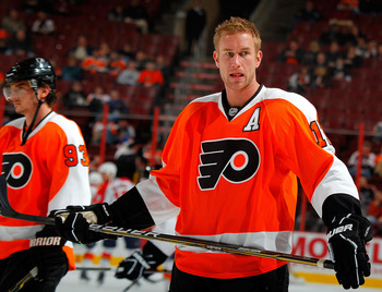 PHILADELPHIA, PA - DECEMBER 20:  Jeff Carter #17 of the Philadelphia Flyers awaits a pass during the warmups before a hockey game against the Florida Panthers at the Wells Fargo Center  on December 20, 2010 in Philadelphia, Pennsylvania.  (Photo by Paul B