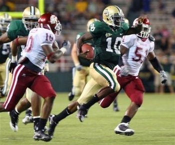 184352853-baylor-university-quarterback-robert-griffin-10-rushes-past-washington-state_display_image