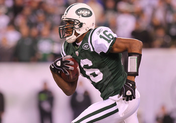 EAST RUTHERFORD, NJ - DECEMBER 12:  Brad Smith #16 of the New York Jets rushes against the Miami Dolphins at New Meadowlands Stadium on December 12, 2010 in East Rutherford, New Jersey.  (Photo by Nick Laham/Getty Images)