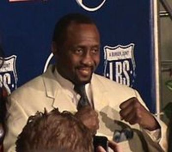 200px-thomas_hearns_2_display_image
