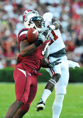 COLUMBIA, SC - OCTOBER 9: Wide receiver Alshon Jefrey #1 of the South Carolina Gamecocks grabs a sideline pass against the Alabama Crimson Tide October 9, 2010 at Williams-Brice Stadium in Columbia, South Carolina.  (Photo by Al Messerschmidt/Getty Images