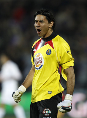 GETAFE, SPAIN - MARCH 13: Oscar Ustari of Getafe celebrates his team's second goal during the La Liga match between Getafe and Mallorca at Coliseum Alfonso Perez on March 13, 2010 in Getafe, Spain. (Photo by Angel Martinez/Getty Images)
