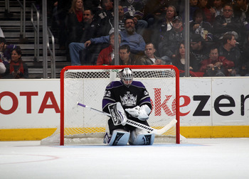 LOS ANGELES, CA - JANUARY 10: Jonathan Quick #32 of the Los Angeles Kings takes a break during his game against the Toronto Maple Leafs at the Staples Center on January 10, 2011 in Los Angeles, California. The Leafs defeated the Kings 3-2. (Photo by Bruce
