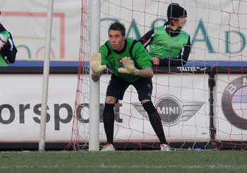 PADOVA, ITALY - JANUARY 23:  The goal keeper of Reggina Vincenzo Fiorillo gestures during the Serie B match between Padova and Reggina at Stadio Euganeo on January 23, 2010 in Padova, Italy.  (Photo by Dino Panato/Getty Images)
