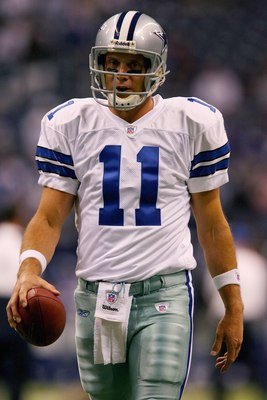 IRVING, TX - OCTOBER 23: Quarterback Drew Bledsoe #11 of the Dallas Cowboys during the game against the New York Giants at Texas Stadium on October 23, 2006 in Irving, Texas. The Giants defeated the Cowboys 36-22. (Photo by Ronald Martinez/Getty Images)