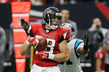 ATLANTA, GA - JANUARY 02:  Tony Gonzalez #88 of the Atlanta Falcons against the Carolina Panthers at Georgia Dome on January 2, 2011 in Atlanta, Georgia.  (Photo by Kevin C. Cox/Getty Images)