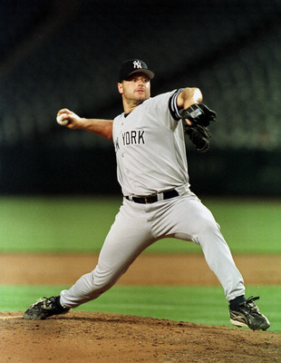 4 Apr 2000:  Rodger Clemens #22 of the New  York Yankees  pitches against  the Anaheim Angels  during their game at Edison Field in Anaheim, California. Mandatory Credit: TOM HAUCK/ALLSPORT