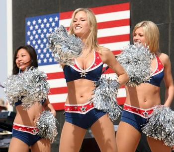 Ne_100209-patriots-cheerleaders_display_image