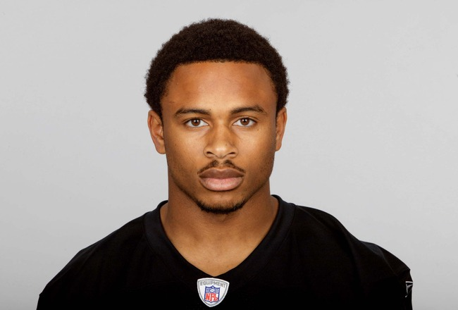 OAKLAND, CA - 2006:  Nnamdi Asomugha #21 of the Oakland Raiders poses for his 2006 NFL headshot at photo day in Oakland, California. (Photo by Getty Images)