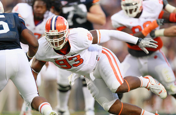 AUBURN, AL - SEPTEMBER 18:  Da'Quan Bowers #93 of the Clemson Tigers against the Auburn Tigers at Jordan-Hare Stadium on September 18, 2010 in Auburn, Alabama.  (Photo by Kevin C. Cox/Getty Images)