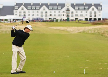 CARNOUSTIE, UNITED KINGDOM - OCTOBER 04:  Film actor Ray Romano drives off the 18th tee during the first round of the Alfred Dunhill Links Championship on October 04, 2007 at the Carnoustie Links Course in Carnoustie, Scotland. (Photo by Andrew Redington/