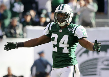 EAST RUTHERFORD, NJ - OCTOBER 31:  Darrelle Revis #24 of the New York Jets reacts against the Green Bay Packers on October 31, 2010 at the New Meadowlands Stadium in East Rutherford, New Jersey.  (Photo by Jim McIsaac/Getty Images)
