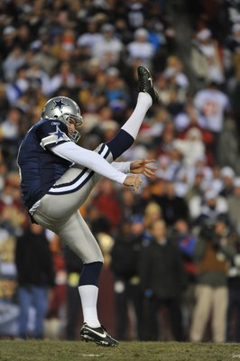 LANDOVER, MD - DECEMBER 27:  Mat McBriar #1 of the Dallas Cowboys punts against the Washington Redskins at FedExField on December 27, 2009 in Landover, Maryland. The Cowboys defeated the Redskins 17-0. (Photo by Larry French/Getty Images)