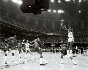 Michael-jordan---n-carolina-last-shot-82-photograph-c10103612_display_image