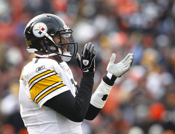 CLEVELAND, OH - JANUARY 02:  Quarterback Ben Roethlisberger #7 of the Pittsburgh Steelers celebrates a touchdown against the Cleveland Browns at Cleveland Browns Stadium on January 2, 2011 in Cleveland, Ohio.  (Photo by Matt Sullivan/Getty Images)