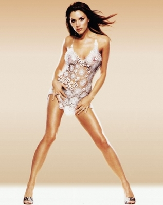 Victoria-beckham-23_b_display_image