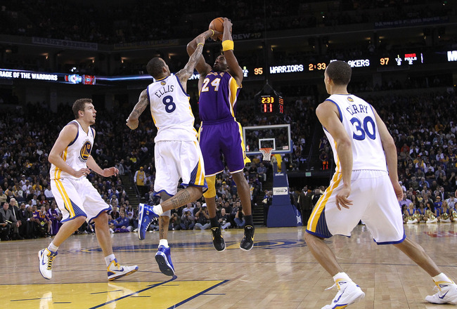 OAKLAND, CA - JANUARY 12:  Kobe Bryant #24 of the Los Angeles Lakers in action during their game against the Golden State Warriors at Oracle Arena on January 12, 2011 in Oakland, California.  (Photo by Ezra Shaw/Getty Images)