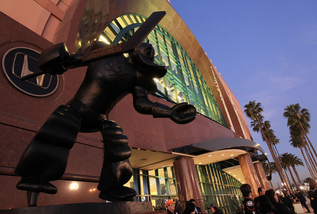 ANAHEIM, CA - JANUARY 12:  A statue of the Anaheim Ducks mascot Wild Wing stands in front of the Honda Center prior to the game between the Ducks and the St. Louis Blues on January 12, 2011 in Anaheim, California.  (Photo by Bruce Bennett/Getty Images)