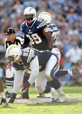 SAN DIEGO - OCTOBER 24:  Kevin Burnett #99 of the San Diego Chargers waits for the snap against the New England Patriots at Qualcomm Stadium on October 24, 2010 in San Diego, California.  (Photo by Harry How/Getty Images)