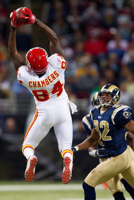 ST. LOUIS, MO - DECEMBER 19: Chris Chambers #84 of the Kansas City Chiefs hauls in a pass against Bradley Fletcher #32 of the St. Louis Rams at the Edward Jones Dome on December 19, 2010 in St. Louis, Missouri.  The Chiefs beat the Rams 27-13.  (Photo by