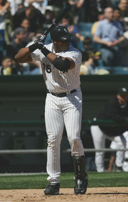 CHICAGO - MAY 30:  Frank Thomas #35 of the Chicago White Sox bats against the Los Angeles Angels of Anaheim on May 30, 2005 at U.S. Cellular Field in Chicago, Illinois. The White Sox defeated the Angels 5-4. (Photo by Jonathan Daniel/Getty Images)