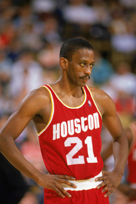 1989:  Eric Floyd #21 of the Houston Rockets looks on during a game in the1989-90 season. NOTE TO USER: User expressly acknowledges and agrees that, by downloading and/or using this Photograph, User is consenting to the terms and conditions of the Getty I