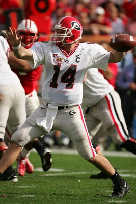 TAMPA, FL-  JANUARY 1:  David Greene #14 of the Georgia Bulldogs passes during the Outback Bowl game against the Wisconsin Badgers at Raymond James Stadium on January 1, 2005 in Tampa, Florida. Georgia won the game 24-21. (Photo by Scott Halleran/Getty Im