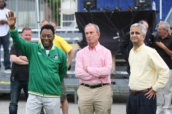 NEW YORK - AUGUST 01:  (L-R) Soccer Legend Pele, New York City Mayor Michael Bloomberg and President of the United States Soccer Federation Sunil Gulati chat before the announcement of the return of the World Renowned New York Cosmos at Flushing Meadows C