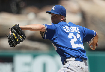 ANAHEIM, CA - AUGUST 11:  Zack Greinke #23 of the Kansas City Royals pitches against the Los Angeles Angels of Anaheim at Angel Stadium on August 11, 2010 in Anaheim, California.  (Photo by Jeff Gross/Getty Images)