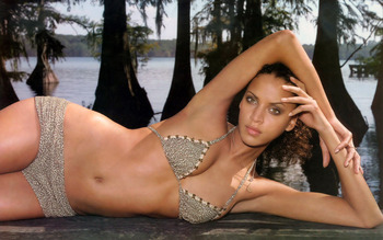 Noemie_lenoir_1280_800_jul242009_display_image