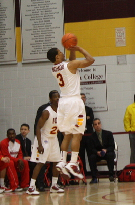 Junior Scott Machado is averaging 14.4 points per game