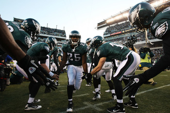 PHILADELPHIA, PA - JANUARY 09:  LeSean McCoy #25 of the Philadelphia Eagles takes the field before playing against the Green Bay Packers in the 2011 NFC wild card playoff game at Lincoln Financial Field on January 9, 2011 in Philadelphia, Pennsylvania.  (