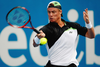 SYDNEY, AUSTRALIA - JANUARY 15:  Lleyton Hewitt of Australia plays a forehand during the quarter final match against David Nalbandian of Argentina during day five of the 2009 Medibank International at the Sydney Olympic Park Tennis Centre on January 15, 2