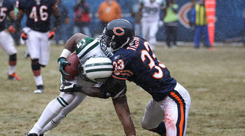 CHICAGO, IL - DECEMBER 26: Charles Tillman #33 of the Chicago Bears tackles Braylon Edwards #17 of the New York Jets at Soldier Field on December 26, 2010 in Chicago, Illinois. (Photo by Jonathan Daniel/Getty Images)