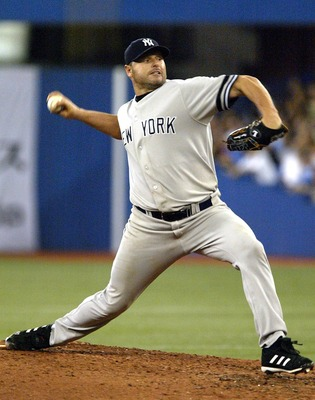 TORONTO - AUGUST 7:  Roger Clemens #22 of the New York Yankees throws a pitch against the Toronto Blue Jays on August 7, 2007 at the Rogers Centre in Toronto, Ontario, Canada. The Yankees defeated the Blue Jays 9-2.  (Photo by Dave Sandford/Getty Images)
